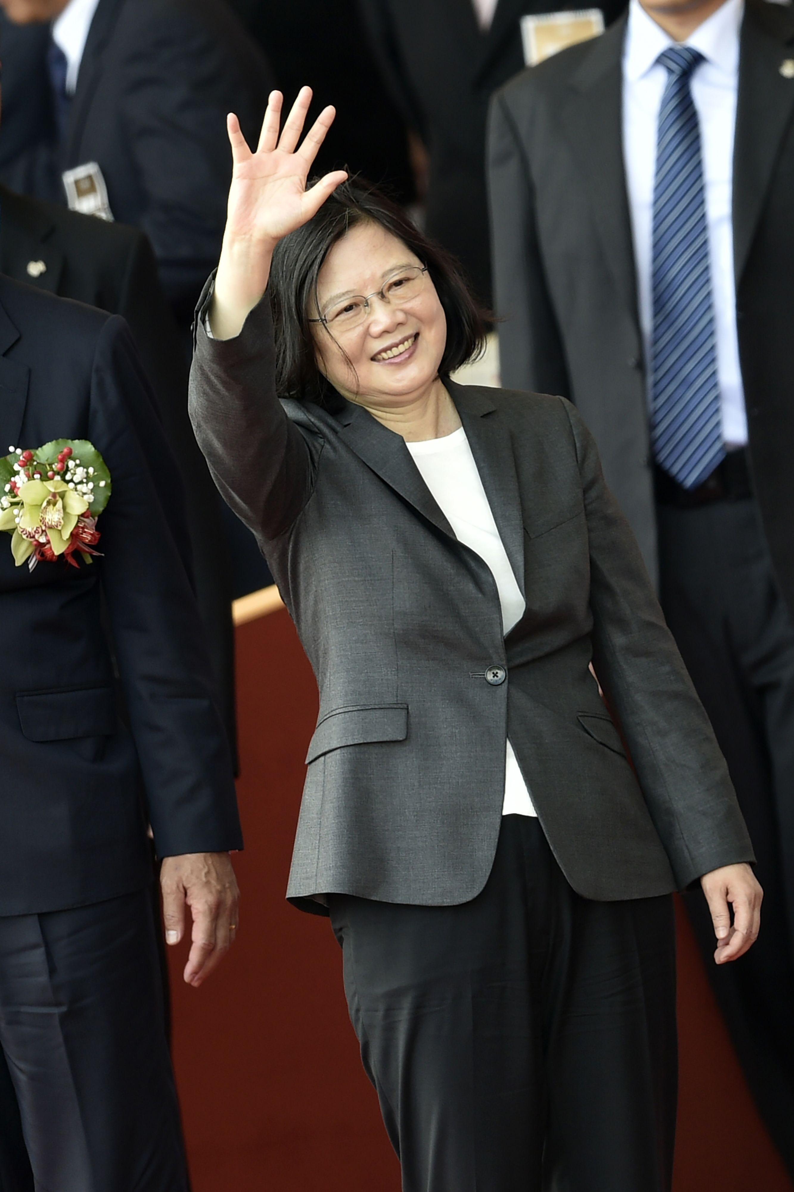 رئيسة تايوان تحيى الشعب