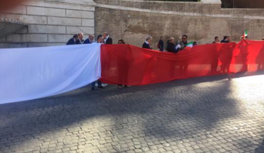 صورة اخري من مظاهرات إيطاليا ضد رشاوى الدوحة