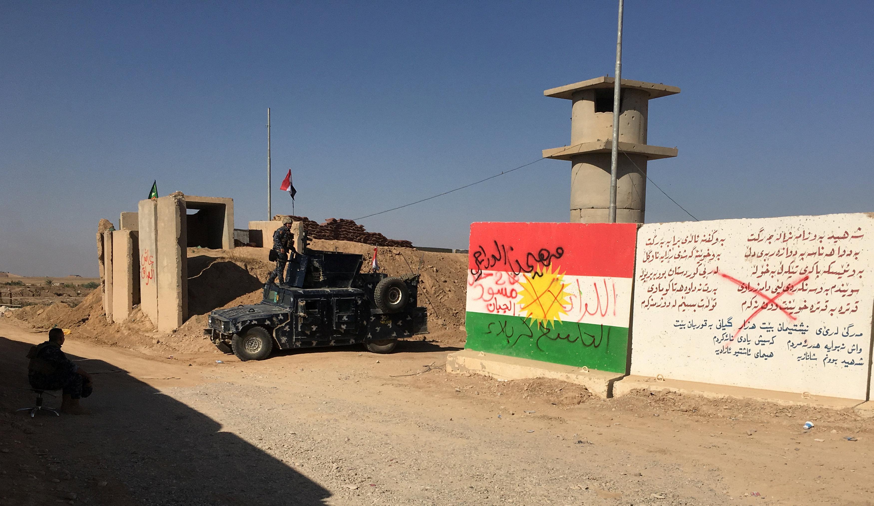 سيارة تابعة للجيش العراقى ينتشر