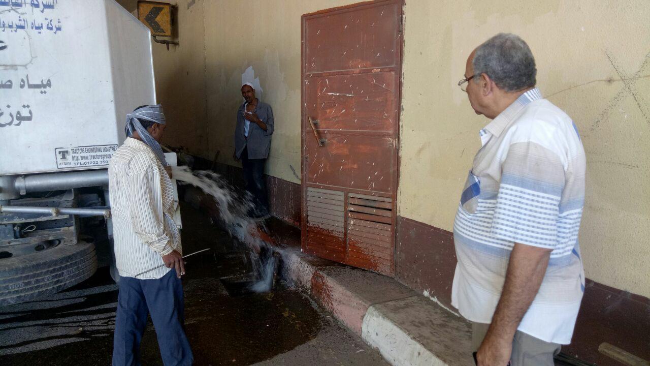 مراجعة محطات رفع الأمطار بالأنفاق بمدينة أسيوط  (3)