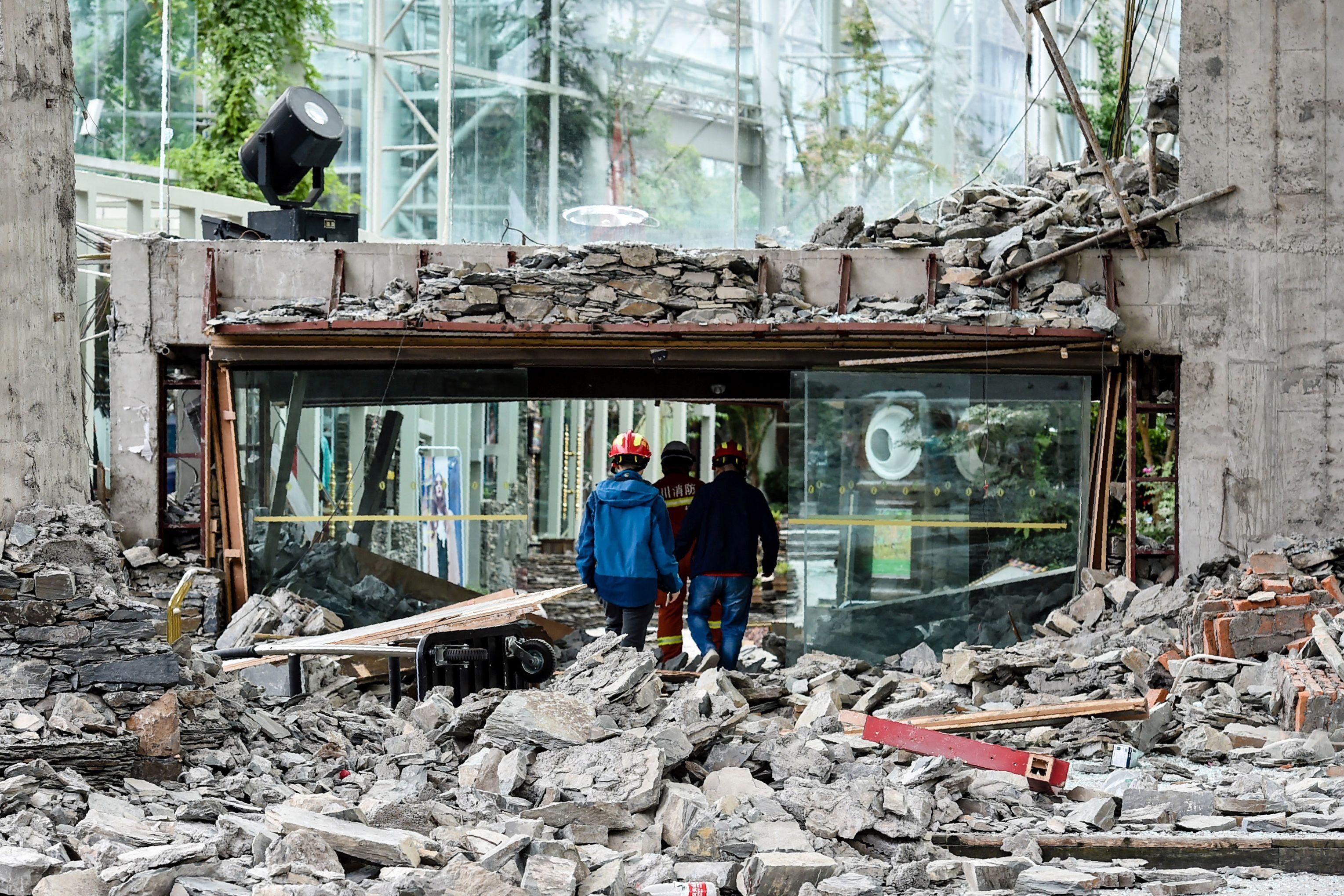 1285745-دمار-خلفه-زلزال-الصين