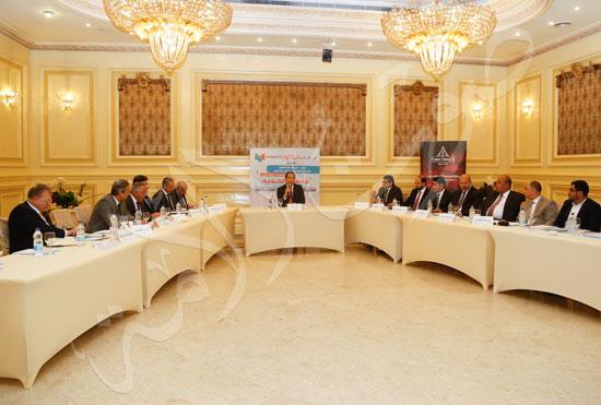 جلسة مستقبل صناعة الحديد (1)