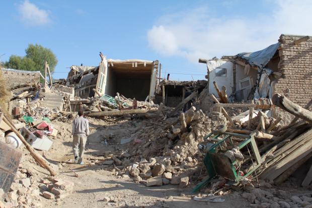 زلزال رودبار، إيران تسبب بدمار 700 قرية
