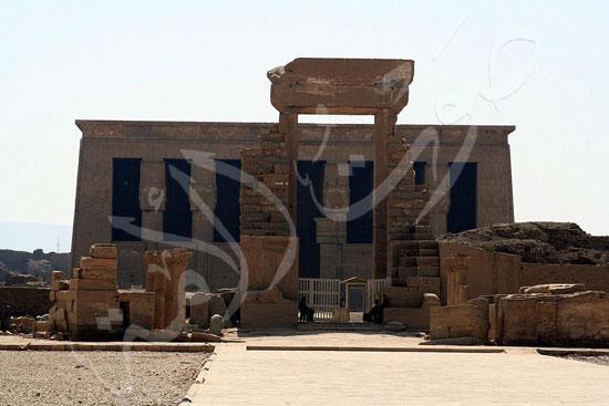 106795-واجهة-معبد-دندرة