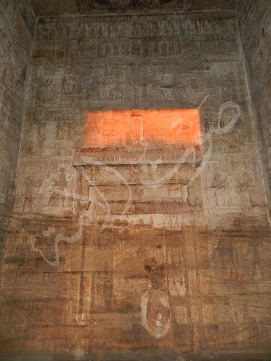 279491-جانب-من-أثار-المعبد