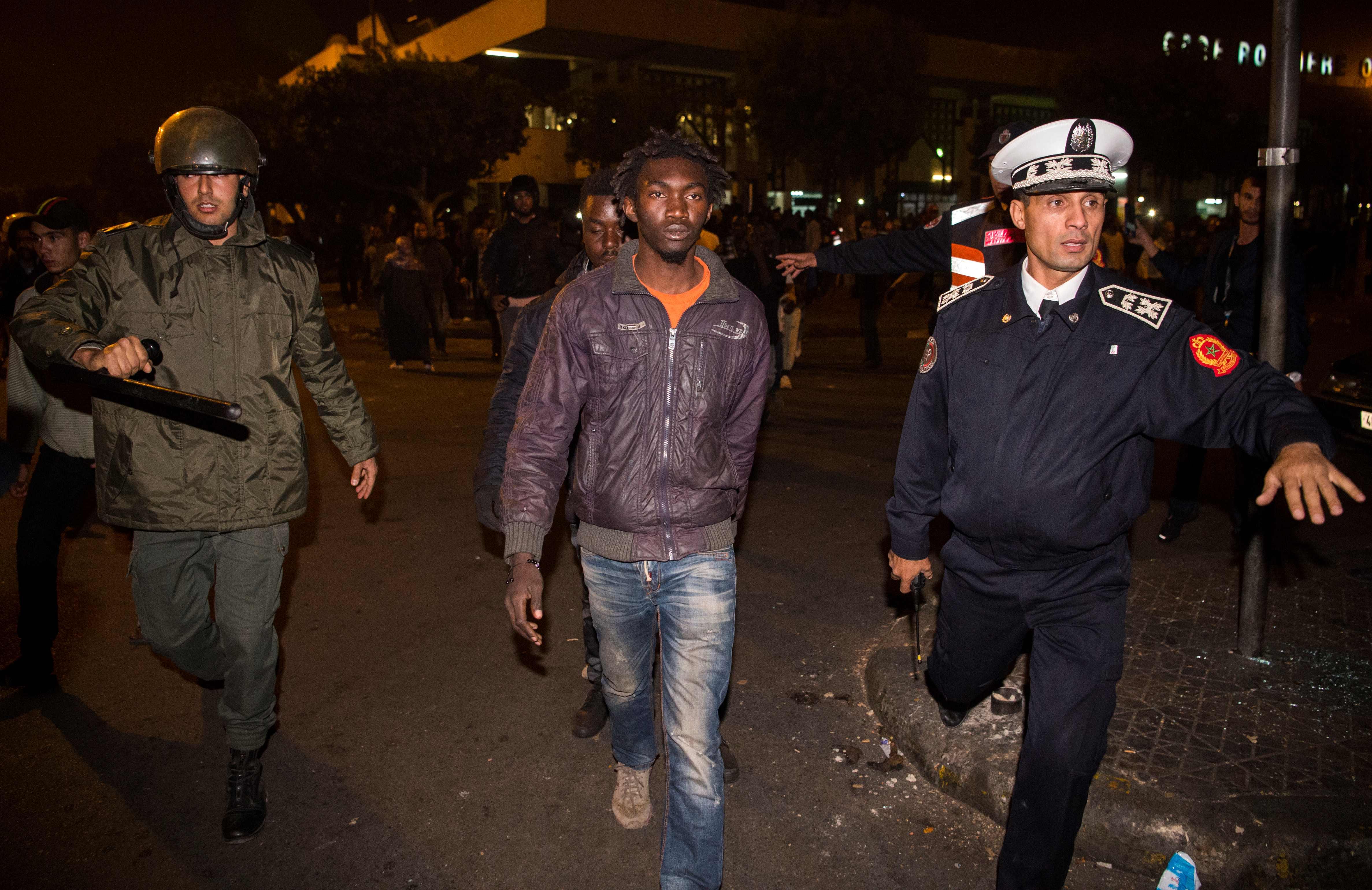 الشرطة المغربية تعتقل عدد من المهاجرين المتسببين فى أعمال عنف