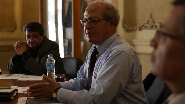 السفير رخا احمد حسن