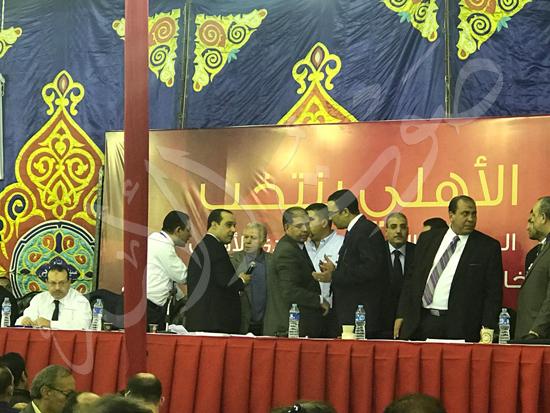 اللجنة المشرفة تطرد حسن حمدي من الخيمة الانتخابية (2)