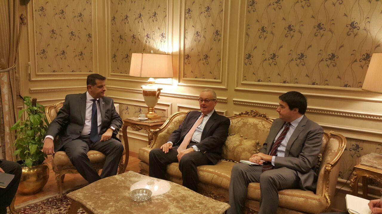 رئيس خارجية البرلمان يلتقى بسفير إيطاليا بالقاهرة (2)