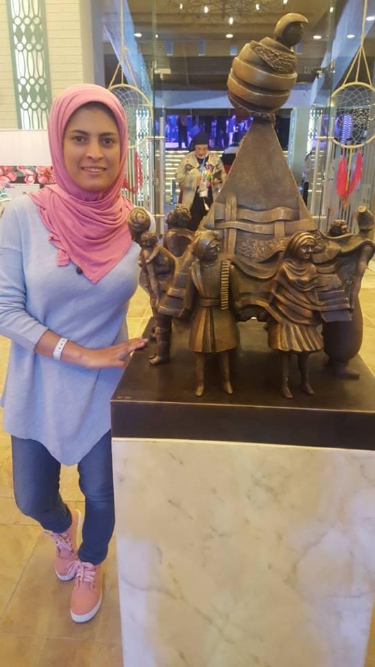 الفنانة التشكيلية مى عبدالله الشهيرة بـ نحاتة المنيا  (4)