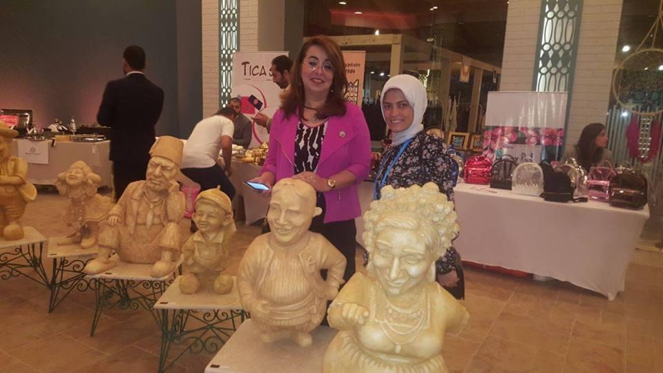 الفنانة التشكيلية مى عبدالله الشهيرة بـ نحاتة المنيا  (3)