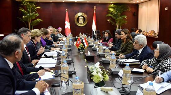 وقعت مصر وسويسرا إعلانا مشتركا تضمن استراتيجية التعاون الجديدة (1)