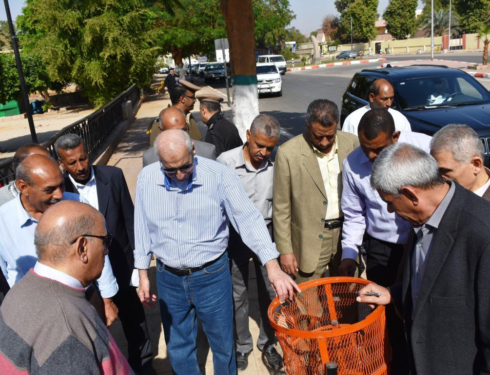 جولة محافظ أسوان بطريق كورنيش النيل (3)
