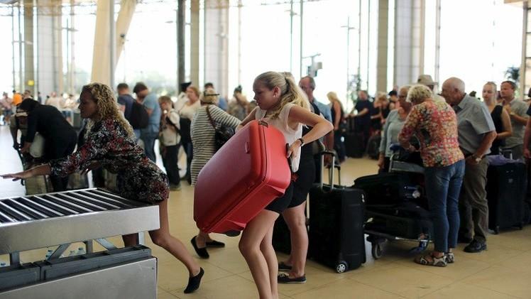 سياح روس فى مطار شرم الشيخ
