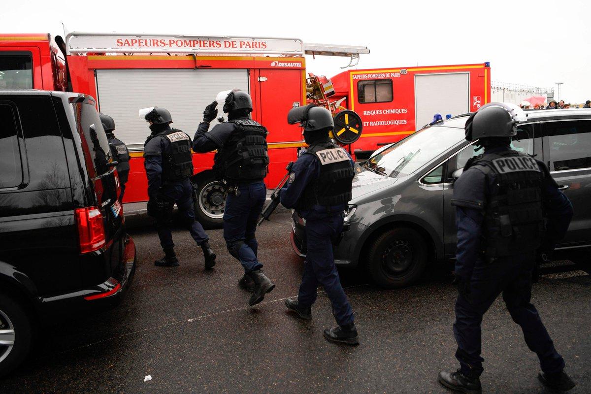 انتشار قوات الأمن في مطار أورلي