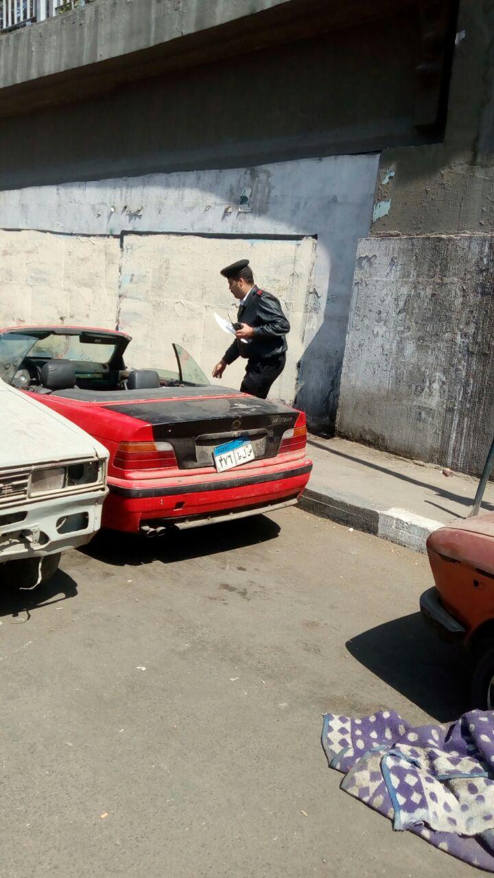 141472-رصد-سيارة-متروكة-بالشارع