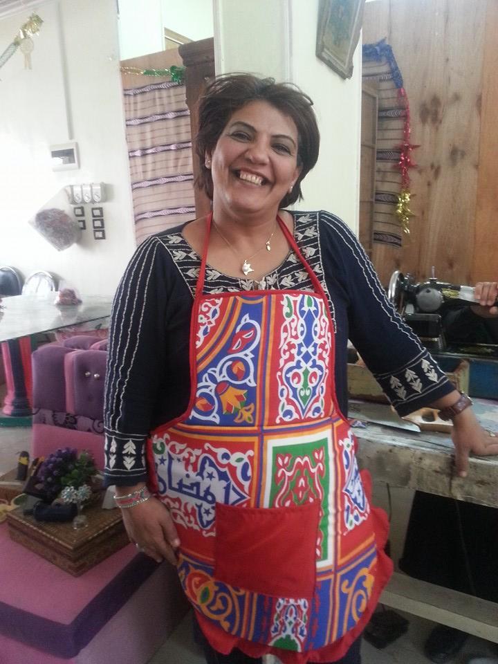 النساء والشباب تصنع زينة رمضان من المخلفات الصناعية (10)