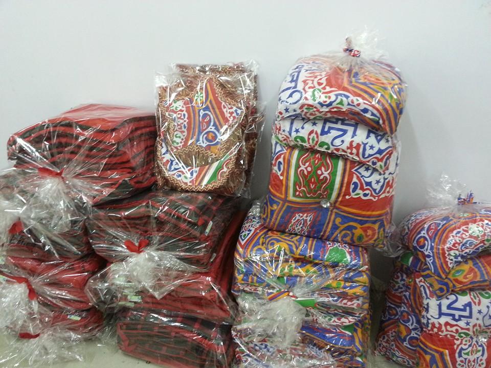 النساء والشباب تصنع زينة رمضان من المخلفات الصناعية (2)