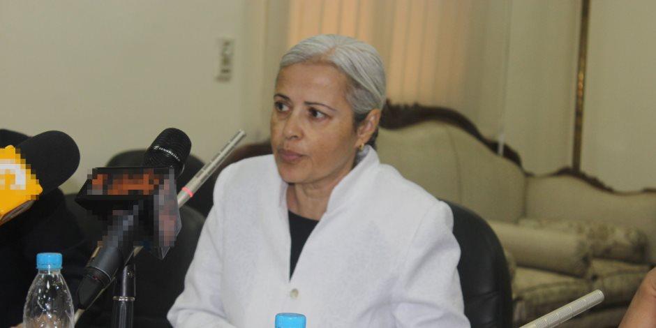 الدكتورة منى مينا وكيل نقابة الأطباء