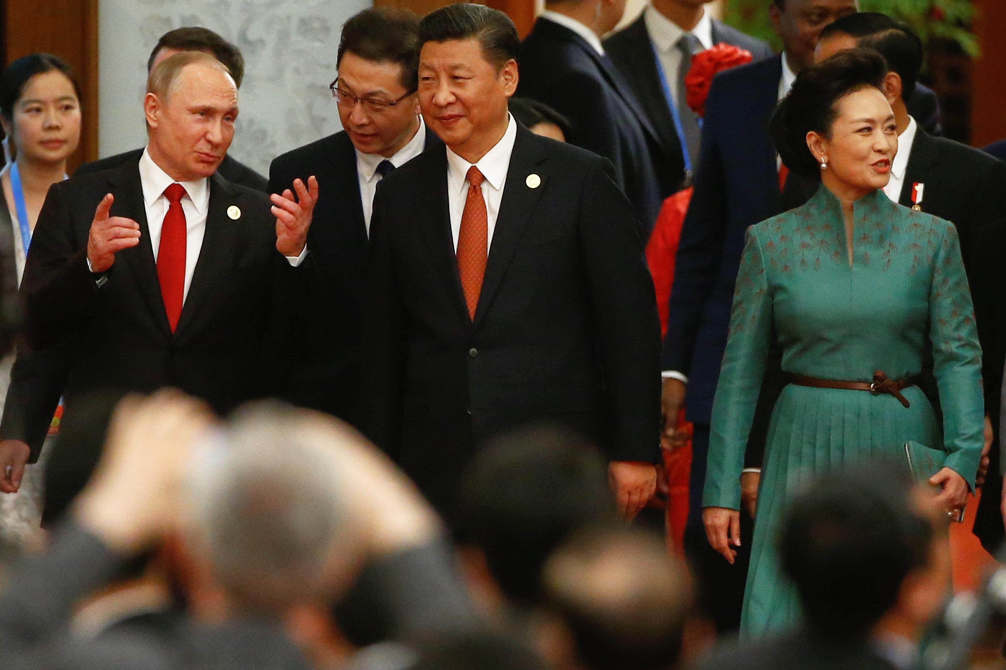 بوتين والرئيس الصينى  وزوجته