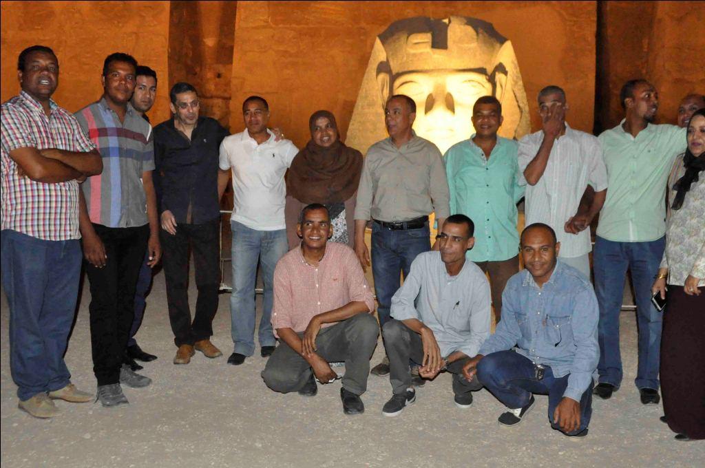 11- فريق الاثار ينطلق في ترميم تمثال جديد لرمسيس الثاني بمعبد الاقصر