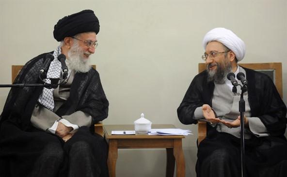 علي خامنيئ المرشد الايراني  والمرشح الرئاسي ابراهيم رئيسي