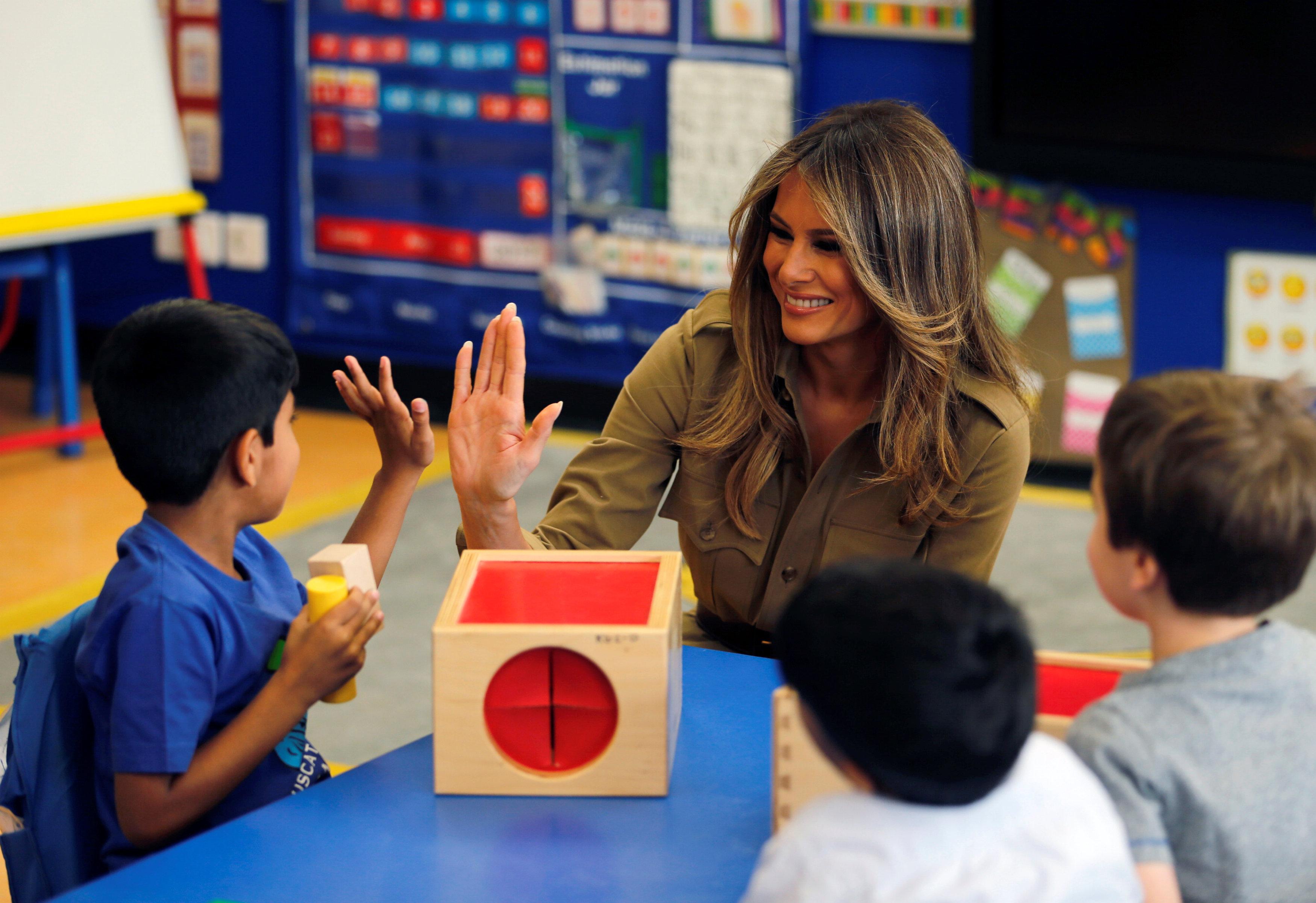 ميلانيا ترامب تزور أحد المدارس