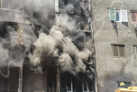 حريق بسوق الملابس في إمبابة (2)