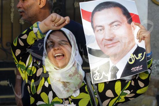 انصار مبارك امام مستشفي العسكري تصوير محمود حفناوي 22-8-2013 (7) copy