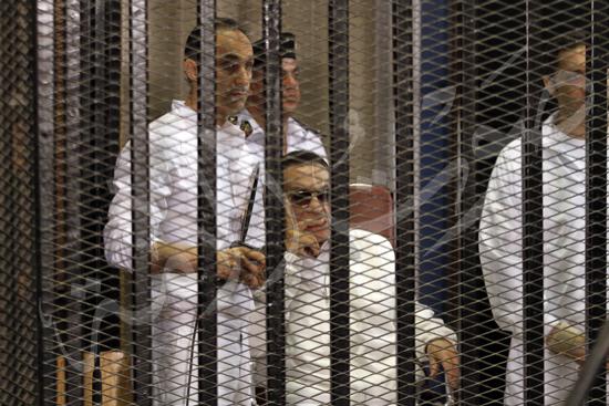 مبارك فى قفص الاتهام تصوير ماهر اسكتدر 8-6-2013 (15) copy