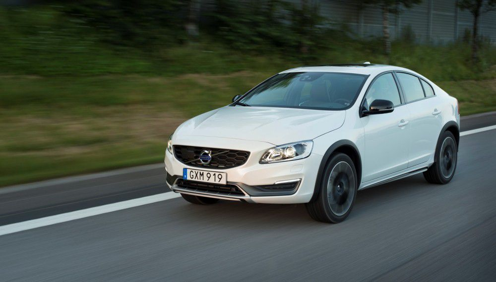 Interface-Volvo-S60-Cross-Country-2016