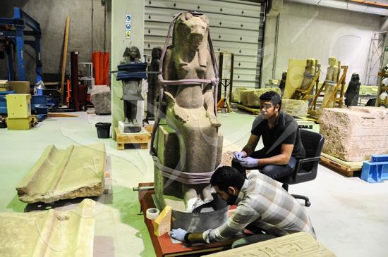 ترميم آثار المتحف الكبير (11)