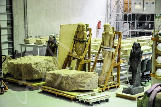 ترميم آثار المتحف الكبير (1)