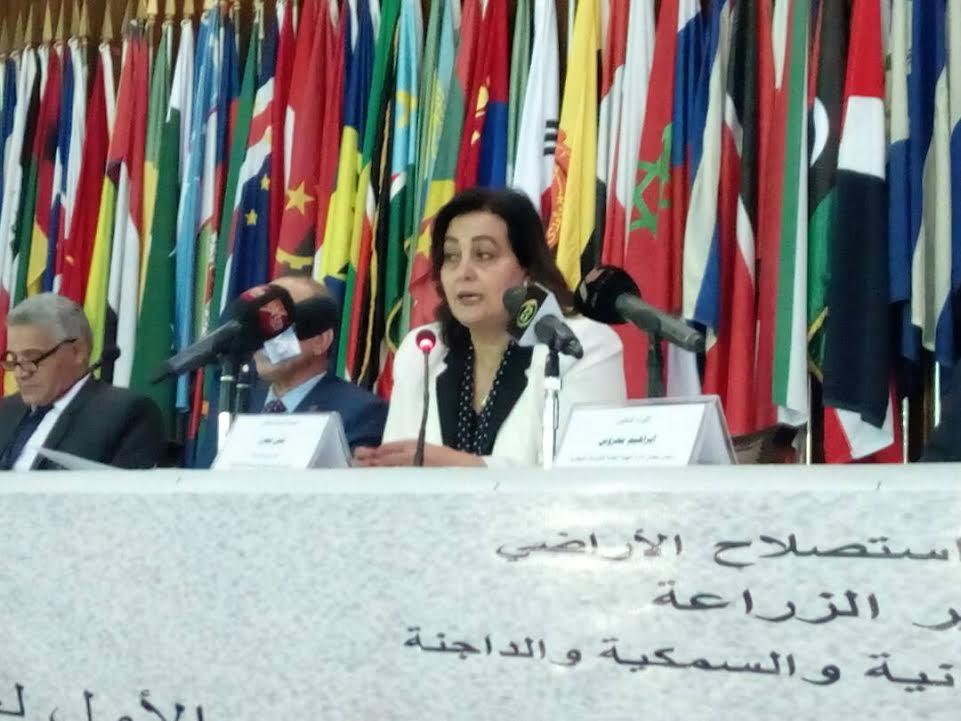 الدكتورة منى محرز نائب وزير الزراعة لشئون الثروة الحيوانية والداجنة والسمكية2