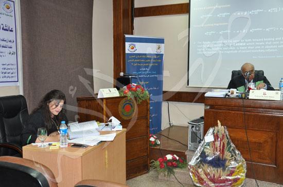 وزيرة التخطيط تناقش رسالة عائشة غنيمي (4)