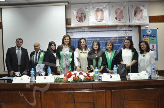 وزيرة التخطيط تناقش رسالة عائشة غنيمي (5)