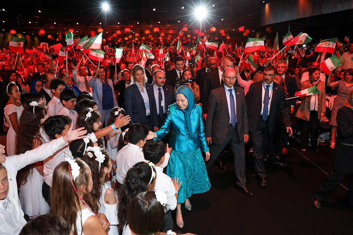 12-Speech-by-Maryam-Rajavi-At-the-Grand-Gathering-of-Iranians-in-Villepinte