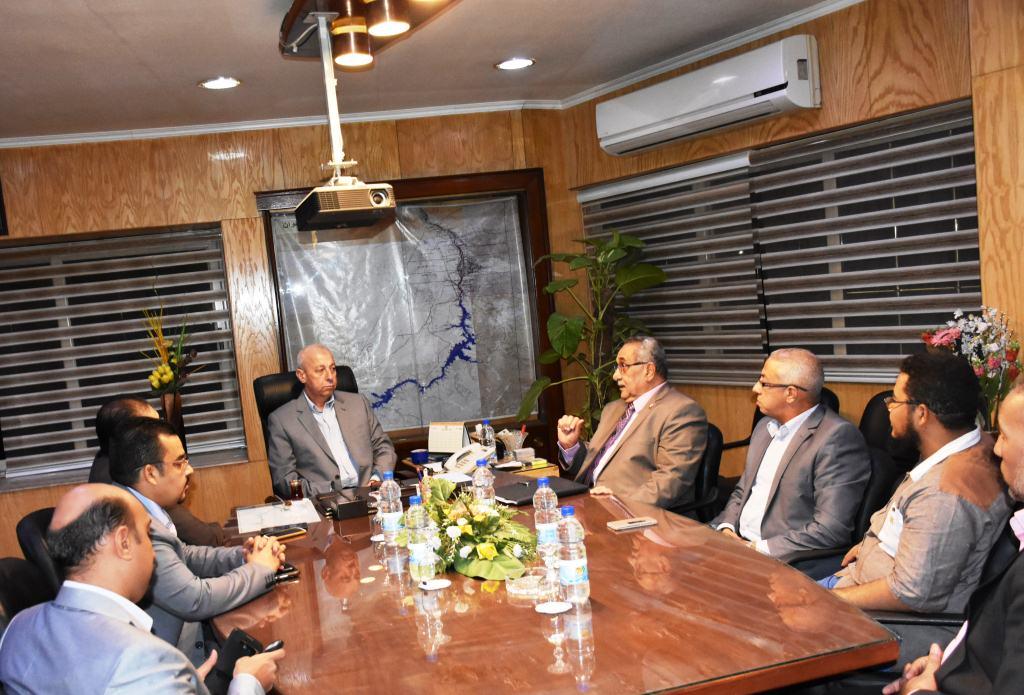 محافظ أسوان يلتقي  بأعضاء فرع مجلس نقابة الصيادلة (3)
