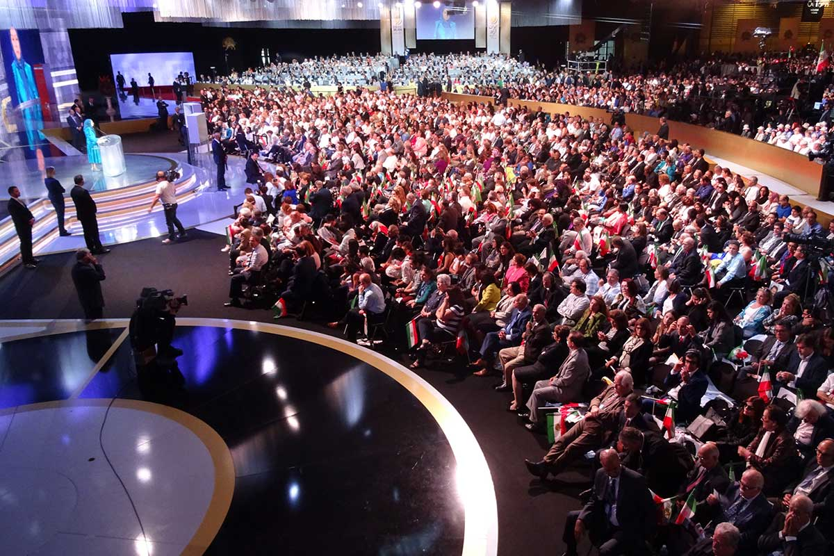 12-Speech-by-Maryam-Rajavi-At-the-Grand-Gathering-of-Iranians-in-Villepinte-4_49d7b91fab978d3cc6185e6d16640fe3