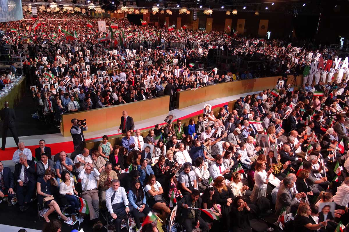 12-Speech-by-Maryam-Rajavi-At-the-Grand-Gathering-of-Iranians-in-Villepinte-33