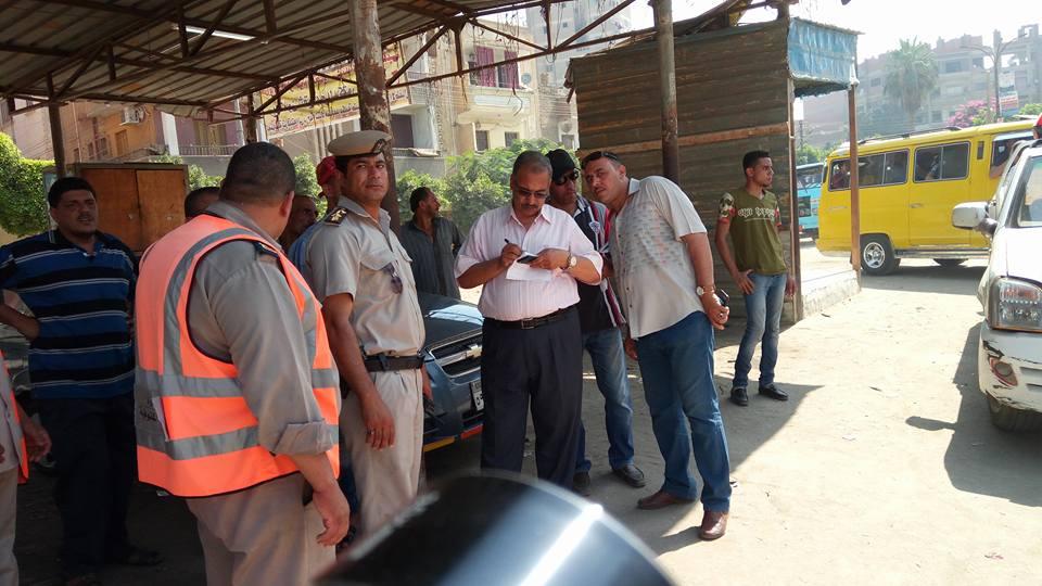 رئيس مدينة قويسنا يتابع تطبيق تعريفة الركوب بالمواقف (3)