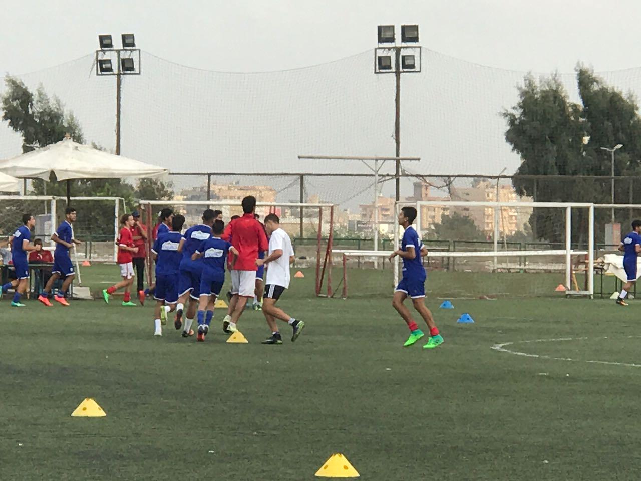 عمر حفيد علاء مبارك في التدريبات