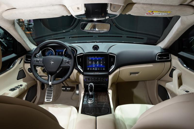 3-Maserati Ghibli - interior - Image 1