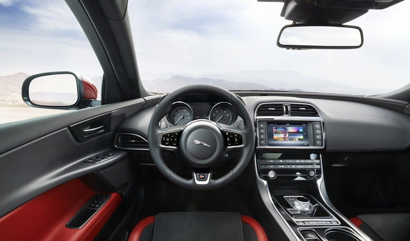Internal-2017-Jaguar-XE