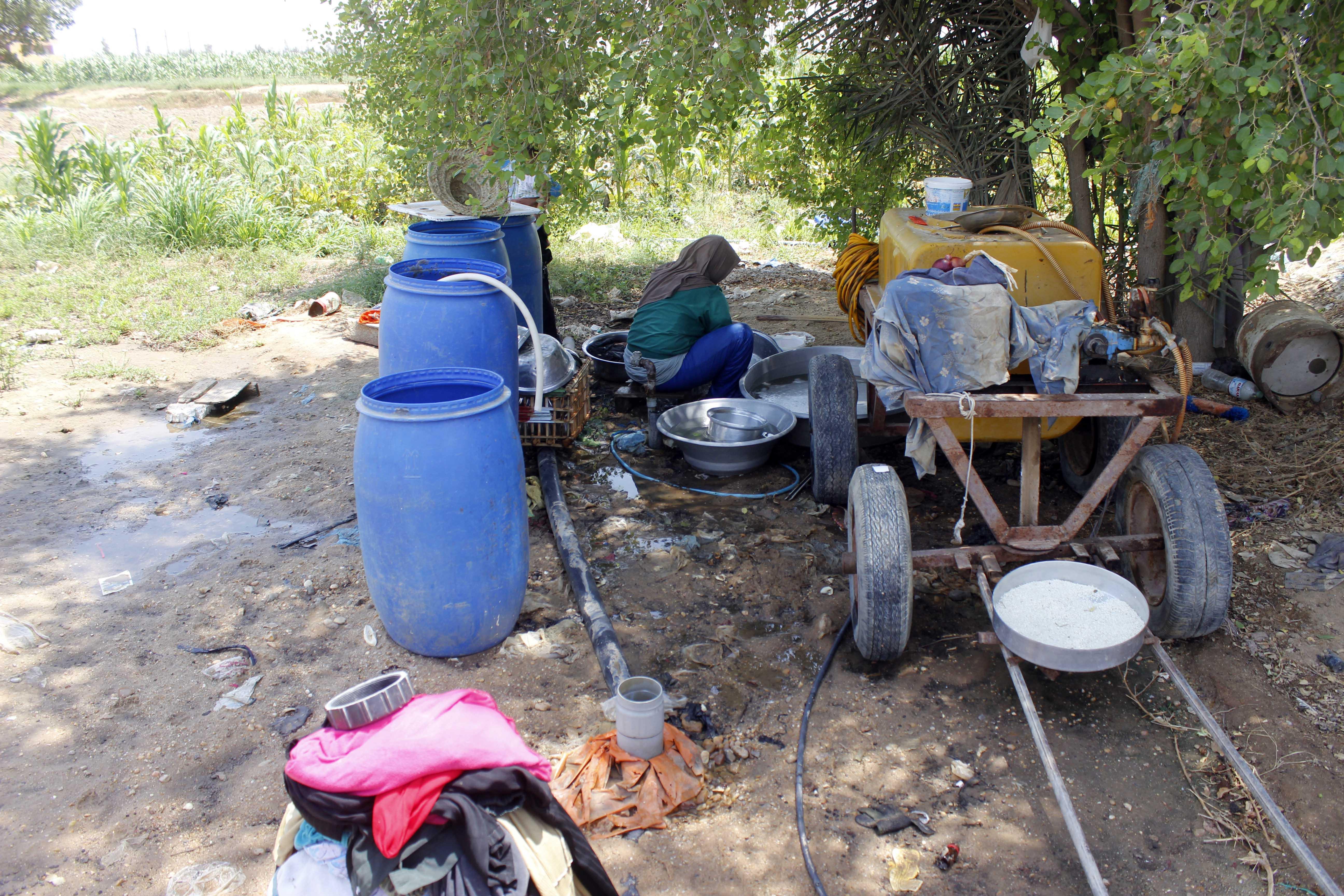قري  تعيش بدون مياه  شرب  لأربعة أشهر  - تصوير  محمد عوض  (4)