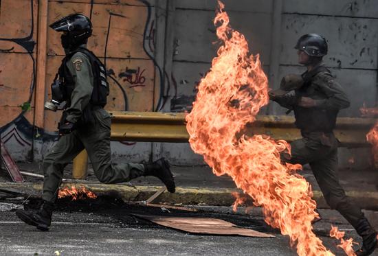 جانب من الاشتباكات فى فنزويلا