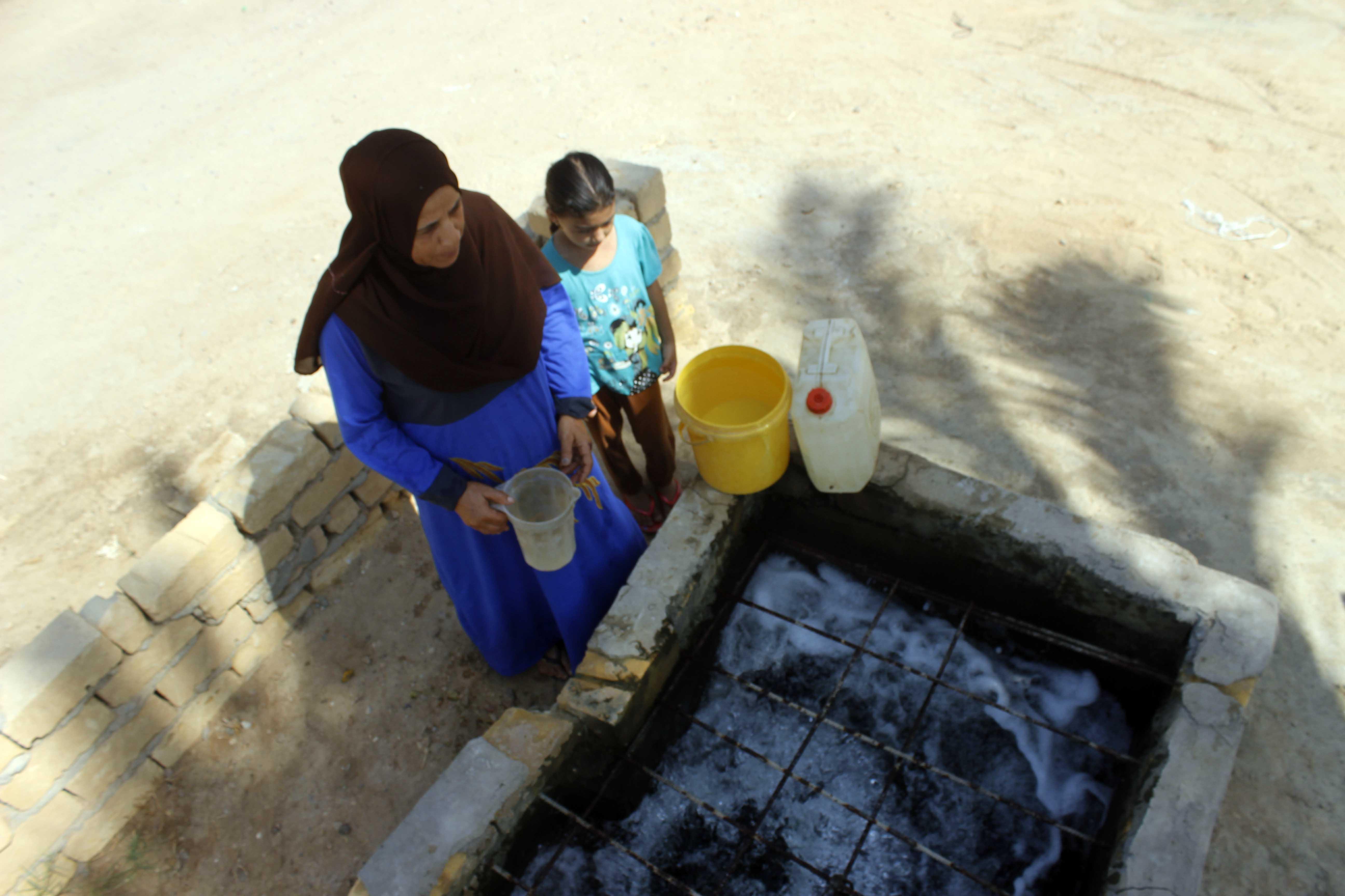 قري  تعيش بدون مياه  شرب  لأربعة أشهر  - تصوير  محمد عوض  (15)