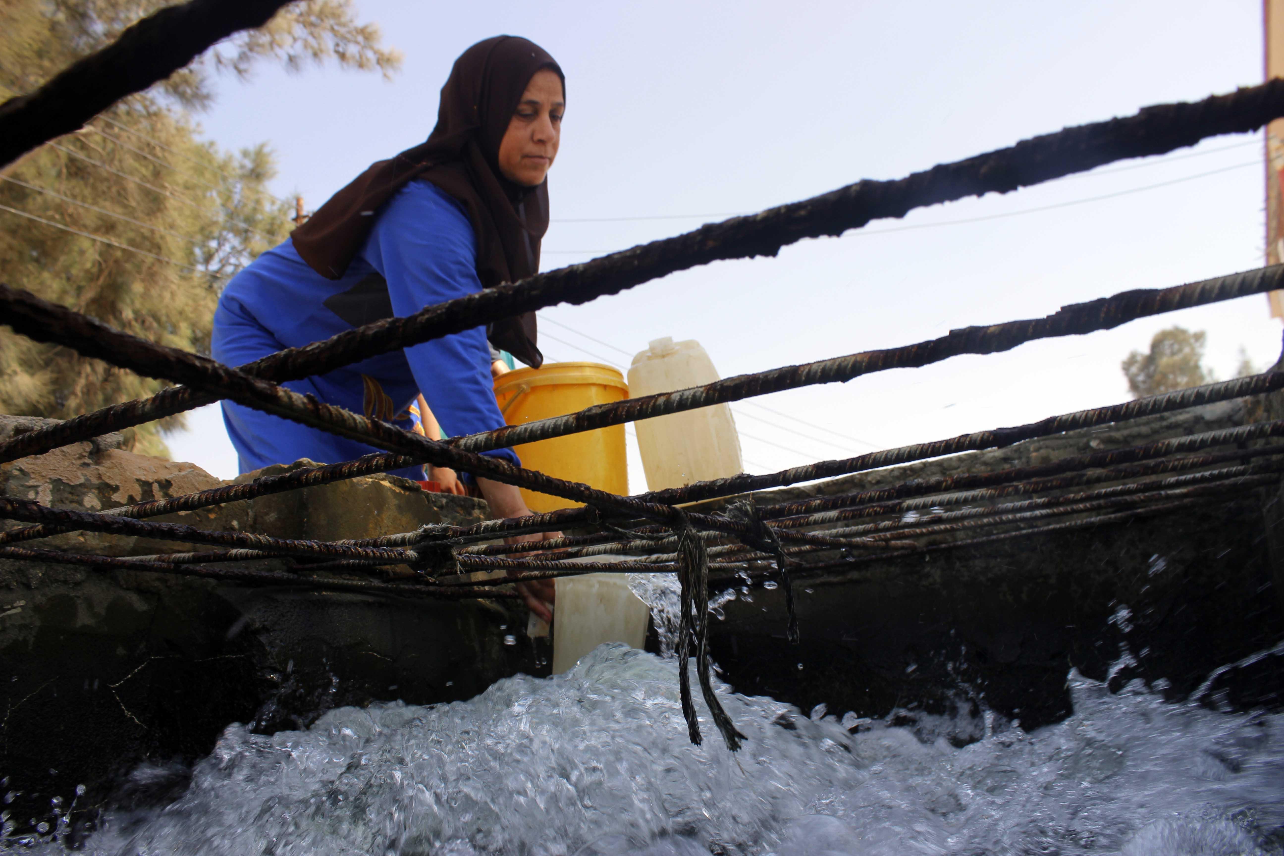 قري  تعيش بدون مياه  شرب  لأربعة أشهر  - تصوير  محمد عوض  (13)
