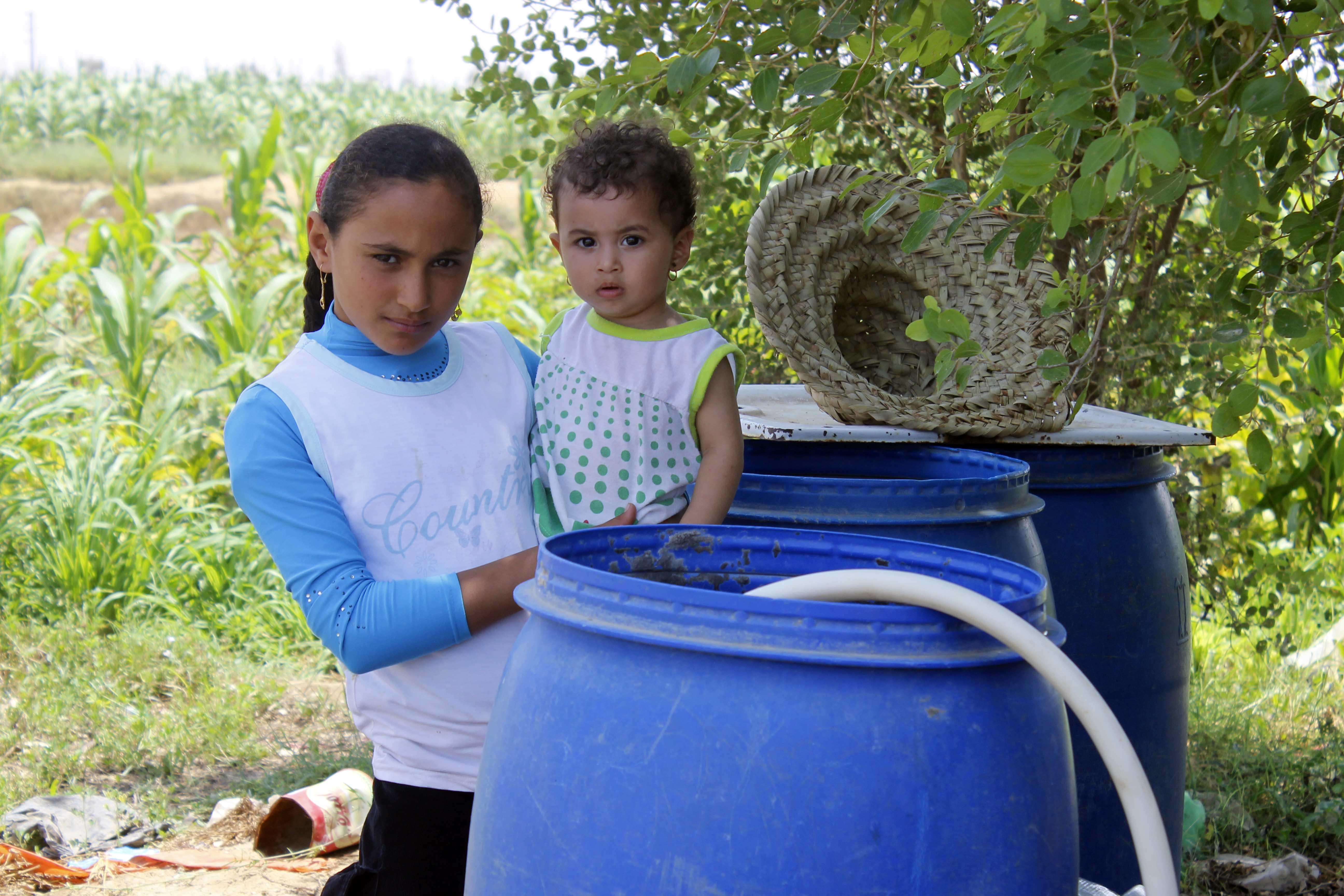 قري  تعيش بدون مياه  شرب  لأربعة أشهر  - تصوير  محمد عوض  (5)