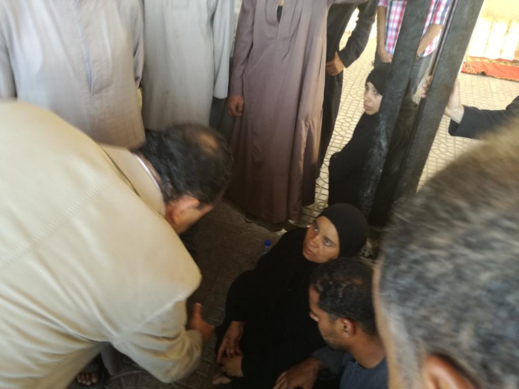الأقصر تشيع شهيد العريش في جنازة عسكرية  (22)
